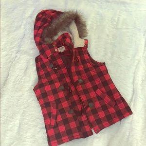 Red & Black Plaid Fur Vest! 🖤❤️